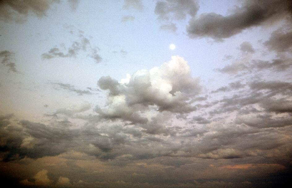 mond und wolke